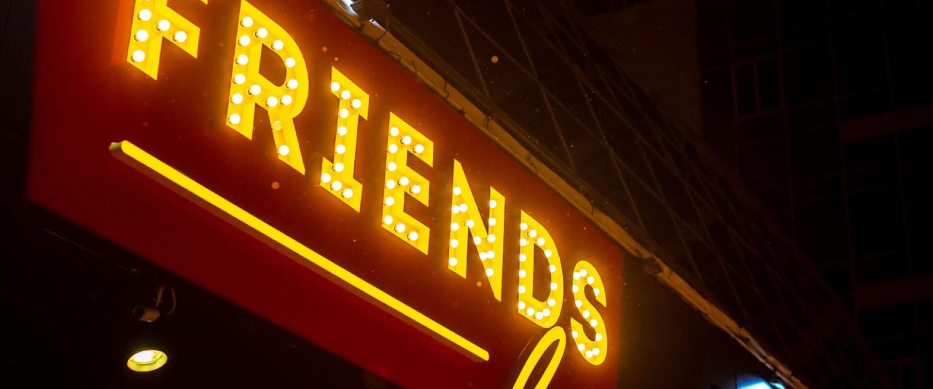 Ресторан Friends Modern Diner. Куда сходить в Екатеринбурге